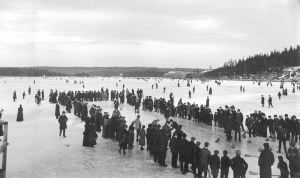 Curling_on_a_lake_in_Dartmouth,_Nova_Scotia,_Canada,_ca._1897